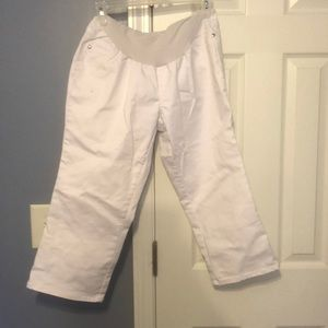 Maternity White capris with belly band